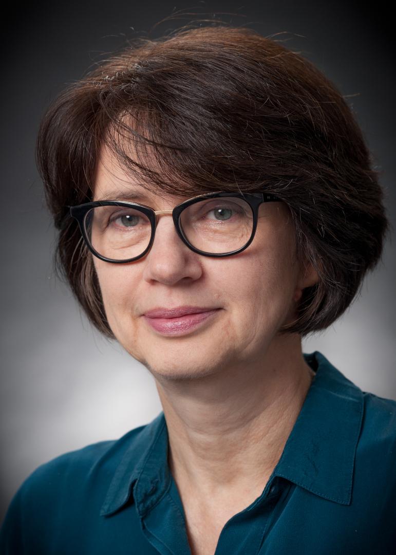 portraits-des-20-bremer-senats-senatorin-claudia-bernhard